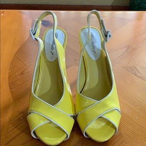 Breckelle's lemon  yellow sandals heels sandals